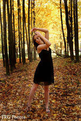 she dances by angelsfalldown1