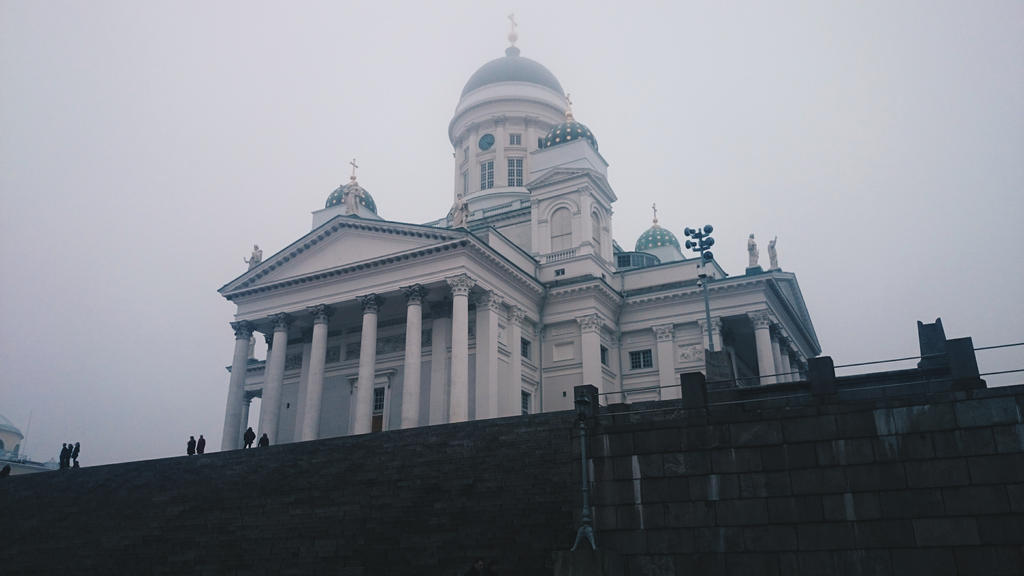 Foggy chatedral by Hachidori25
