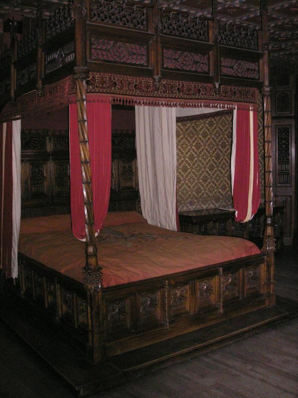 image gallery medieval bed