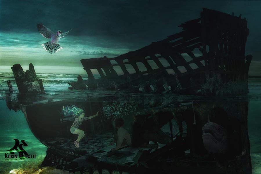 Peculiar under water by SlichoArt
