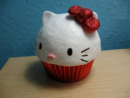 Hello Kitty Cupcake by kimchikawaii