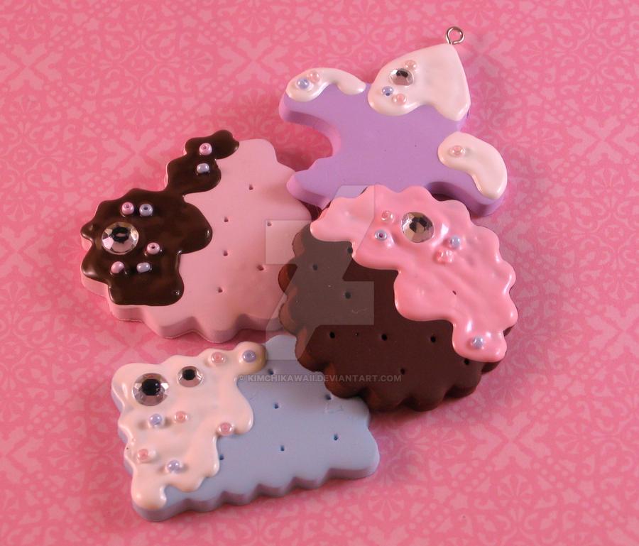 Cookie pendants by kimchikawaii