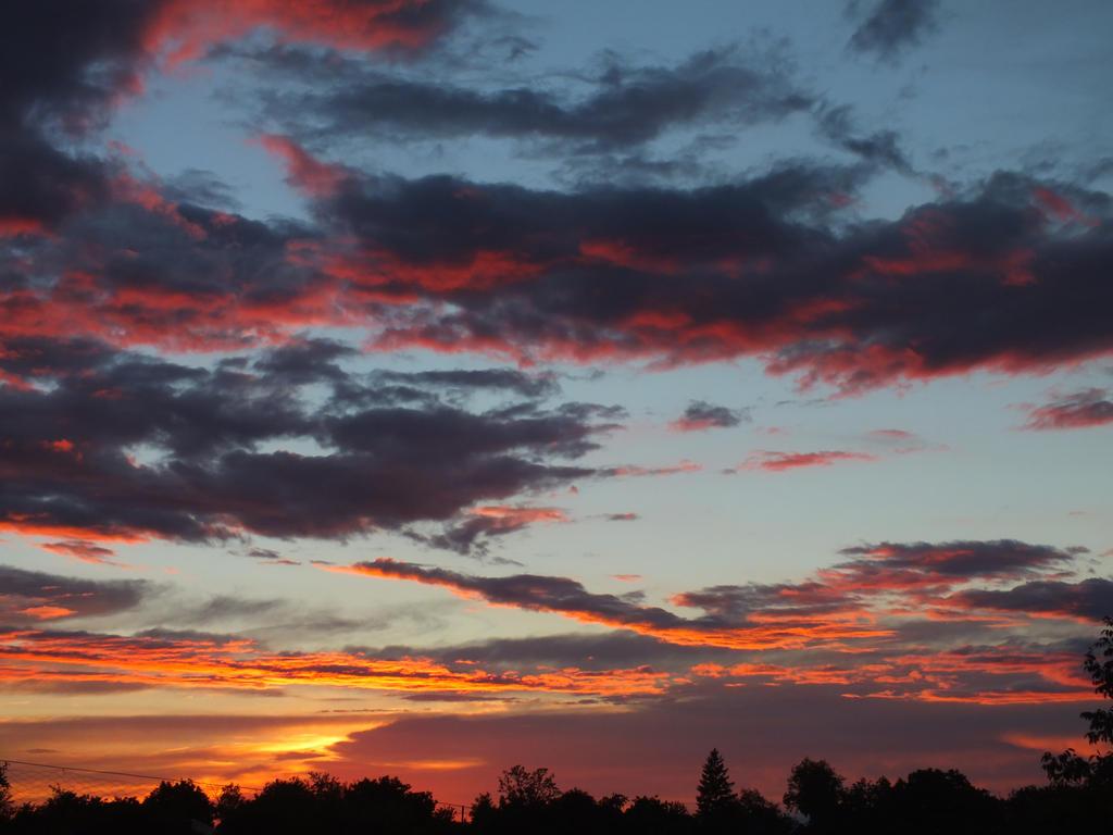 Nice sky by noxyzz