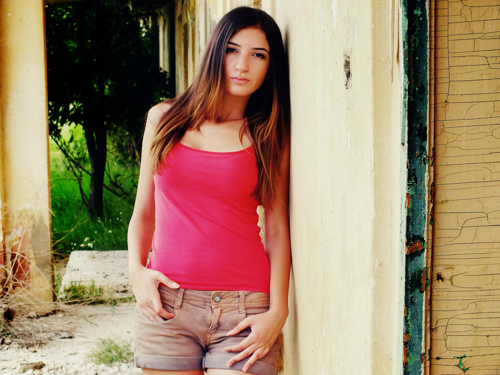 Wallpaper girl 2 by noxyzz