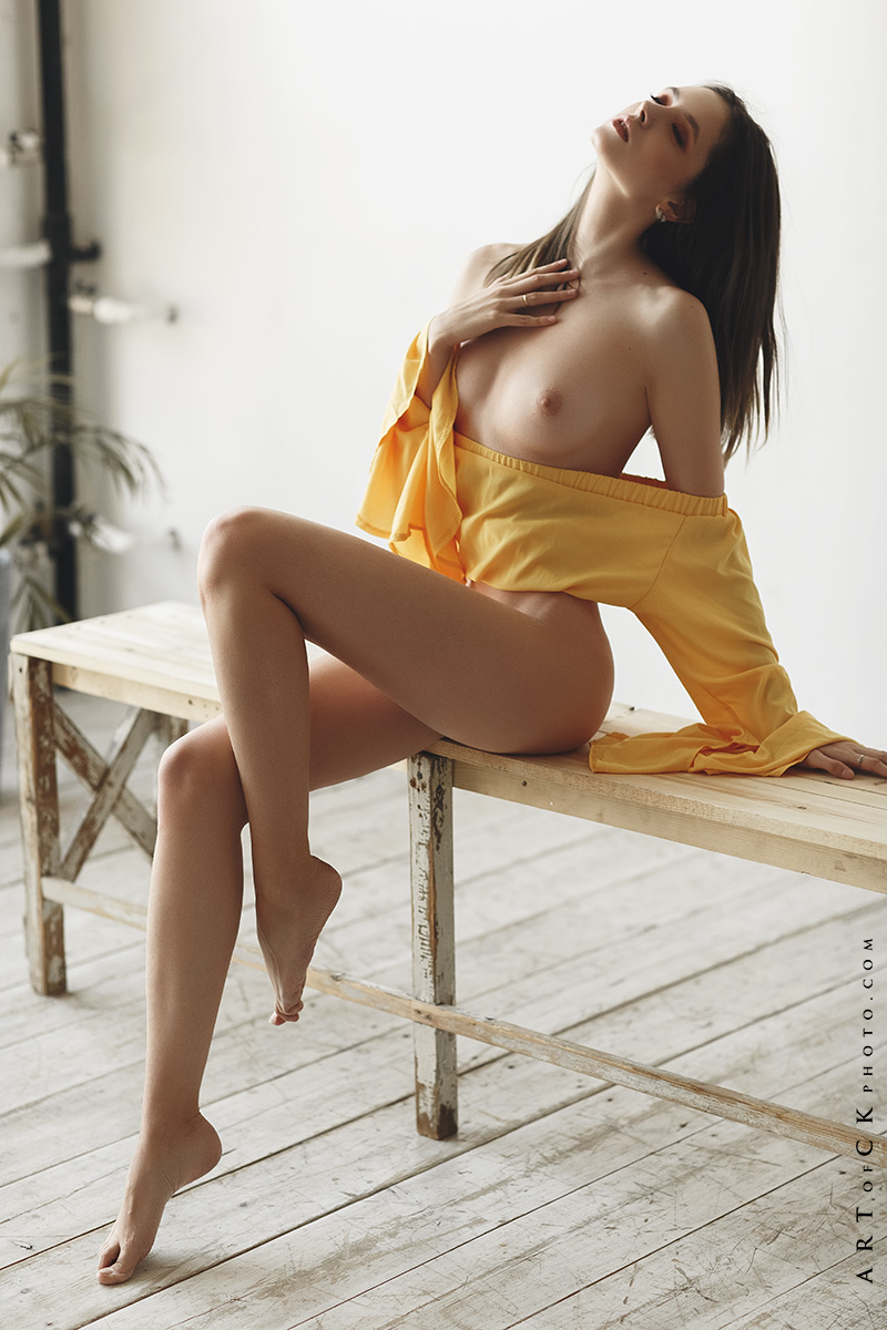 BONITA: Beautiful erotic woman