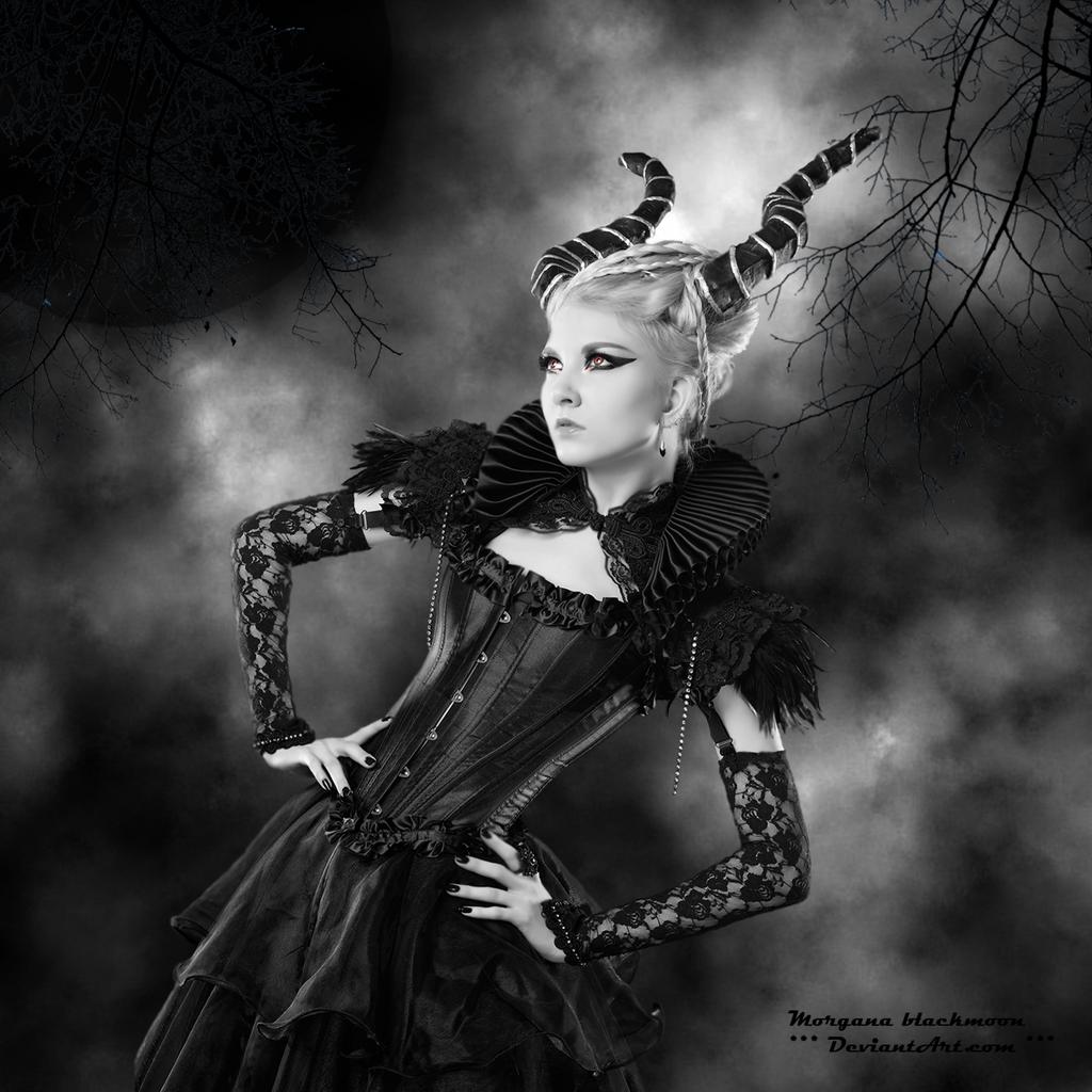 Il Diavolo Veste Donna by morganablackmoon