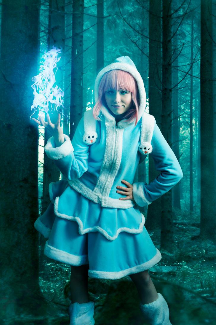 Annie Frostfire by NunnallyLol