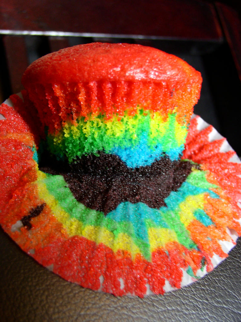 Rainbow Cupcake II by Cthulhu-Fhtagn52