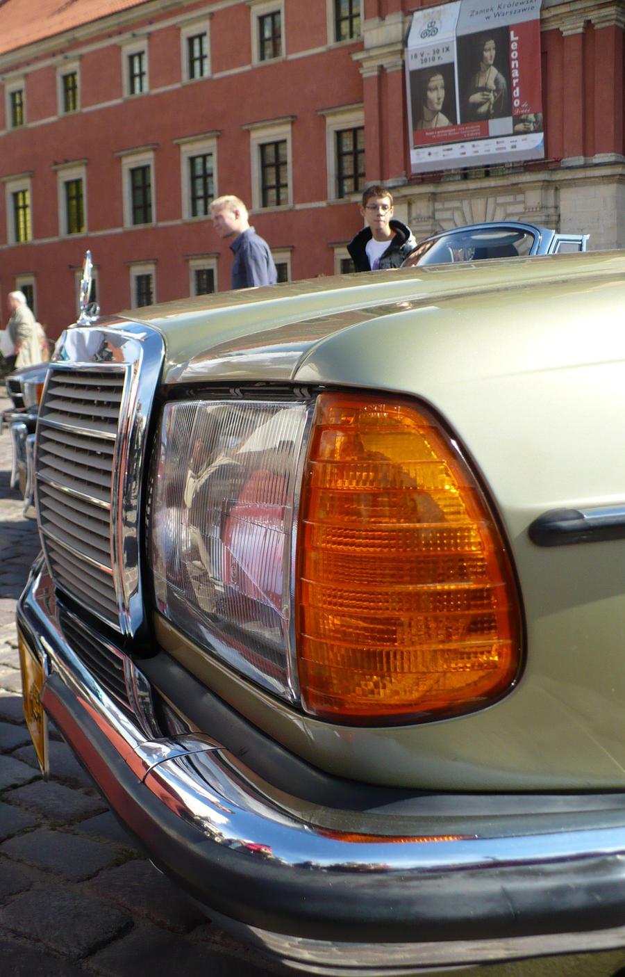 Mercedes Benz W123 280CE Front