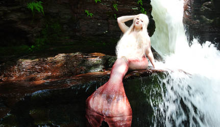 Waterfall by UxiCosplay