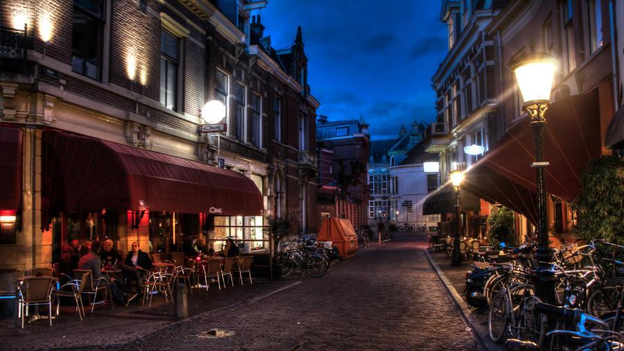 Utrecht by night by Ringtailmaki