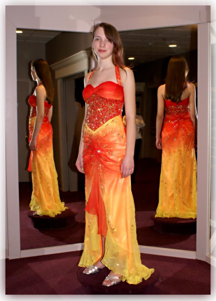 My Prom Dress by PsychicPsycho on DeviantArt
