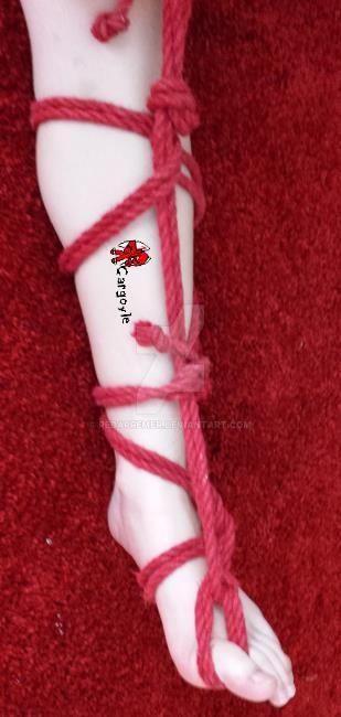 Miu's beautifull leg and foot by Redarremer