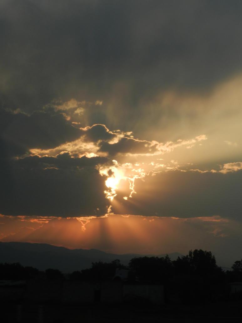 strange sunset by brisingr29
