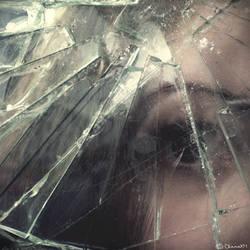Broken vision by claraXY