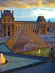 Louvre - Pyramide 4