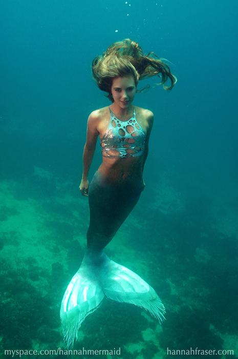 Hannah underwater in Cebu by HannahMermaid