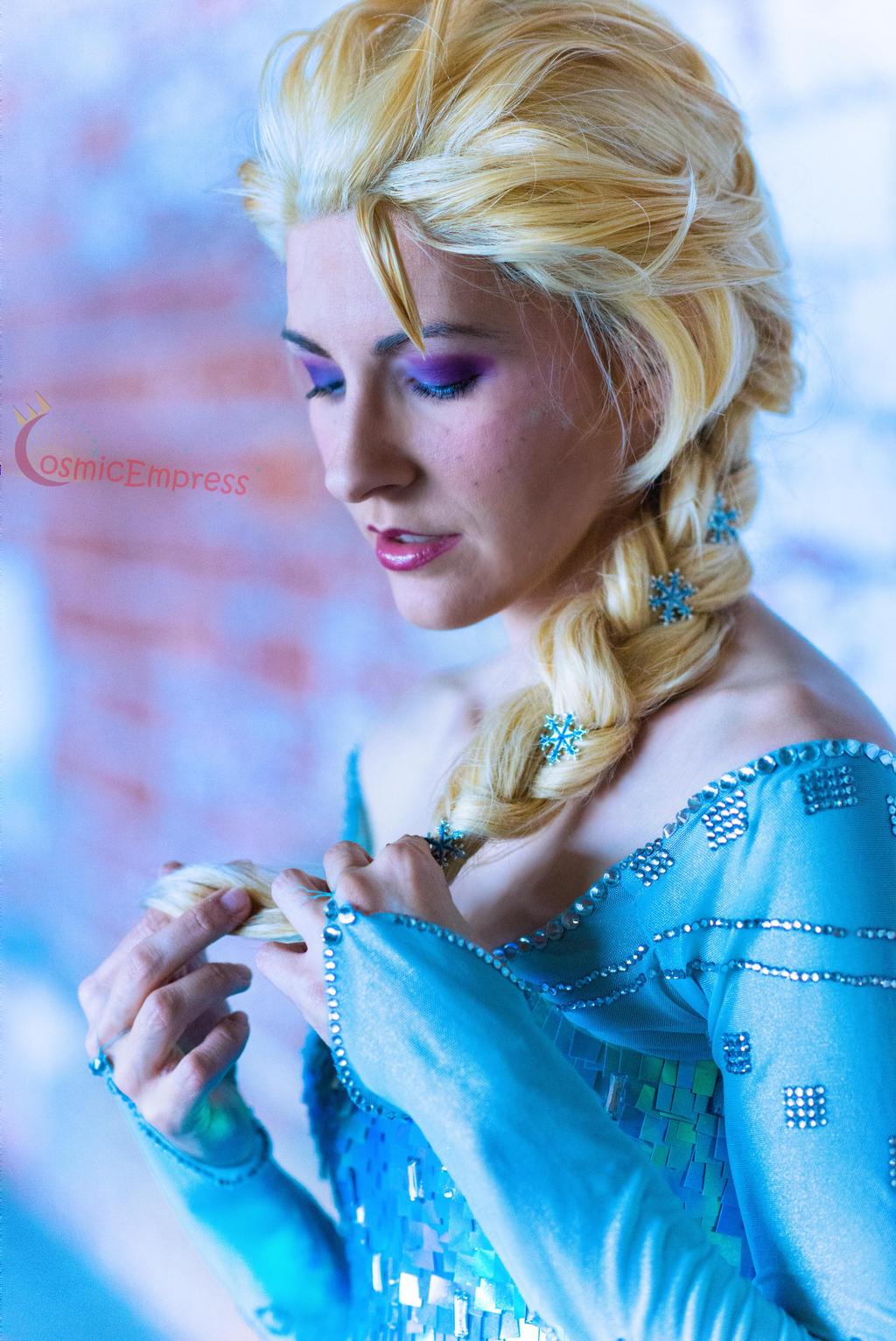 Elsa by Cosmic-Empress