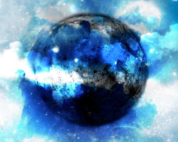 Strange moon... by nivener