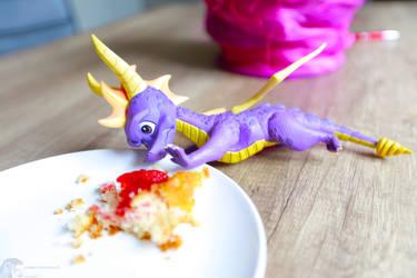 Spyro the cake dragon #2