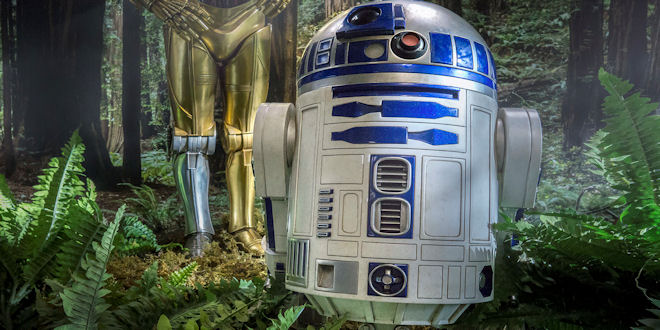 Star Wars R2-D2 Legendary Scale Statue Sideshow by epicheroes