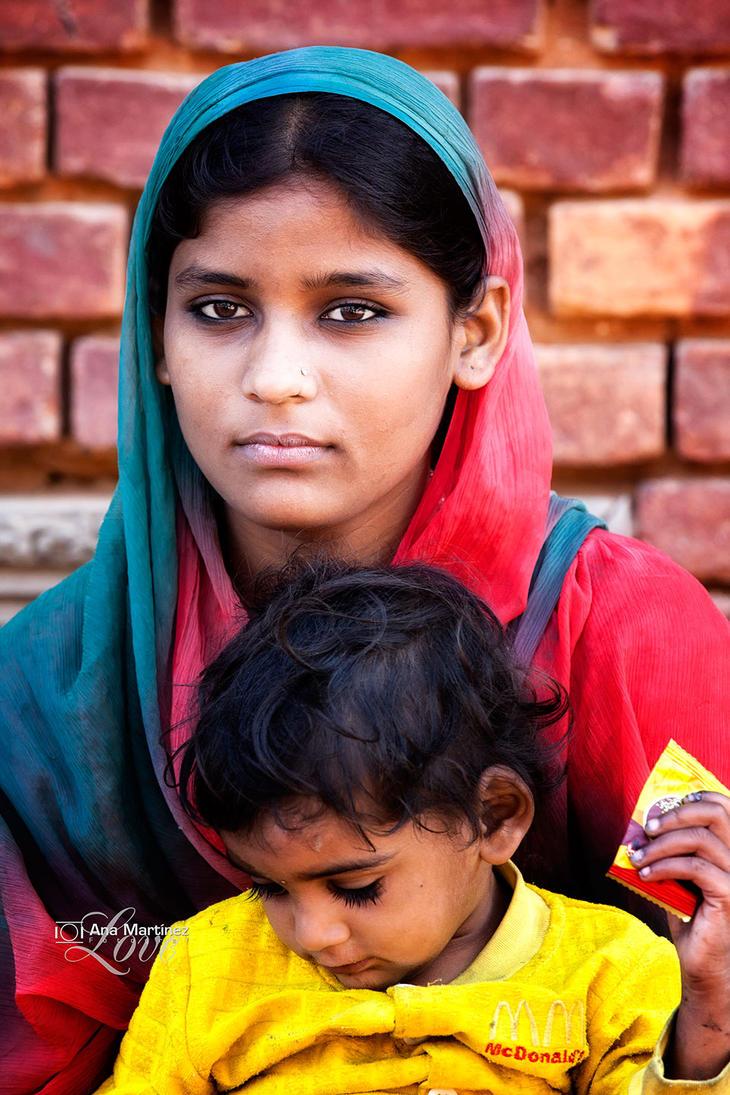 Nepali woman by Anamartinez-Fotograf