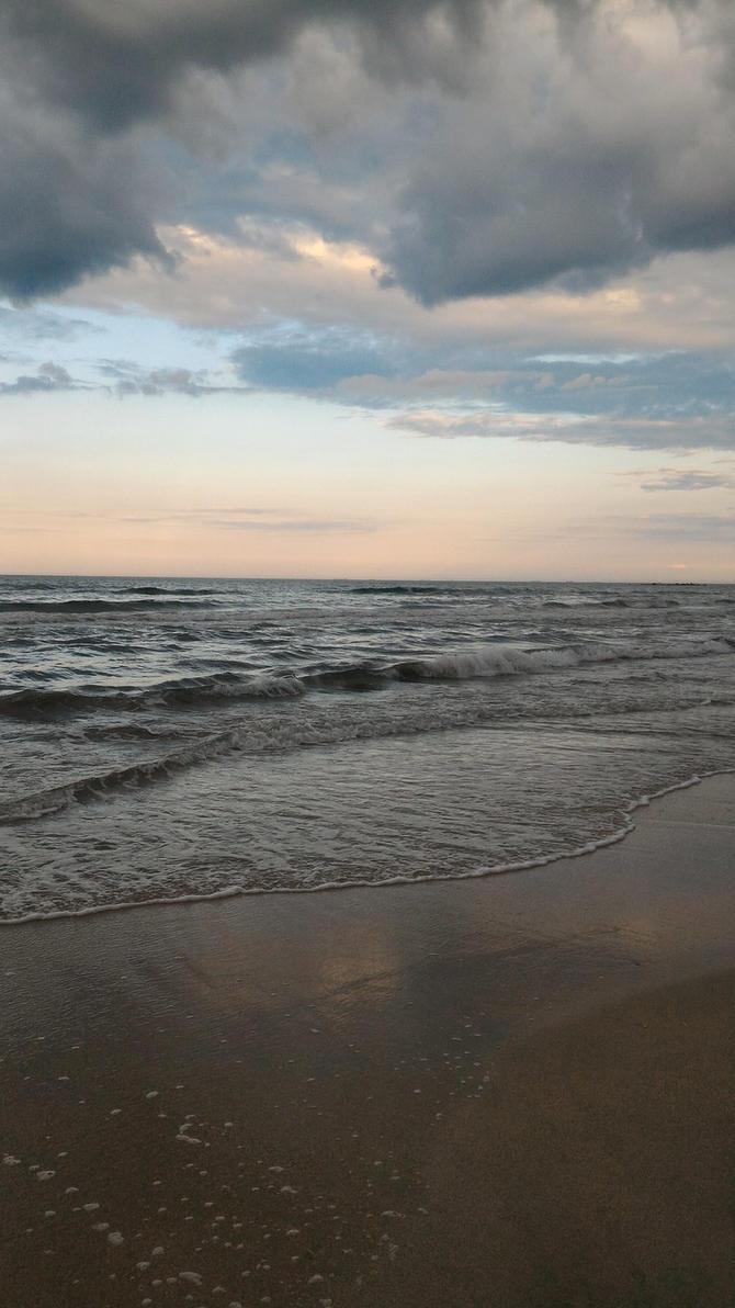 Sea sunset by wiz84590