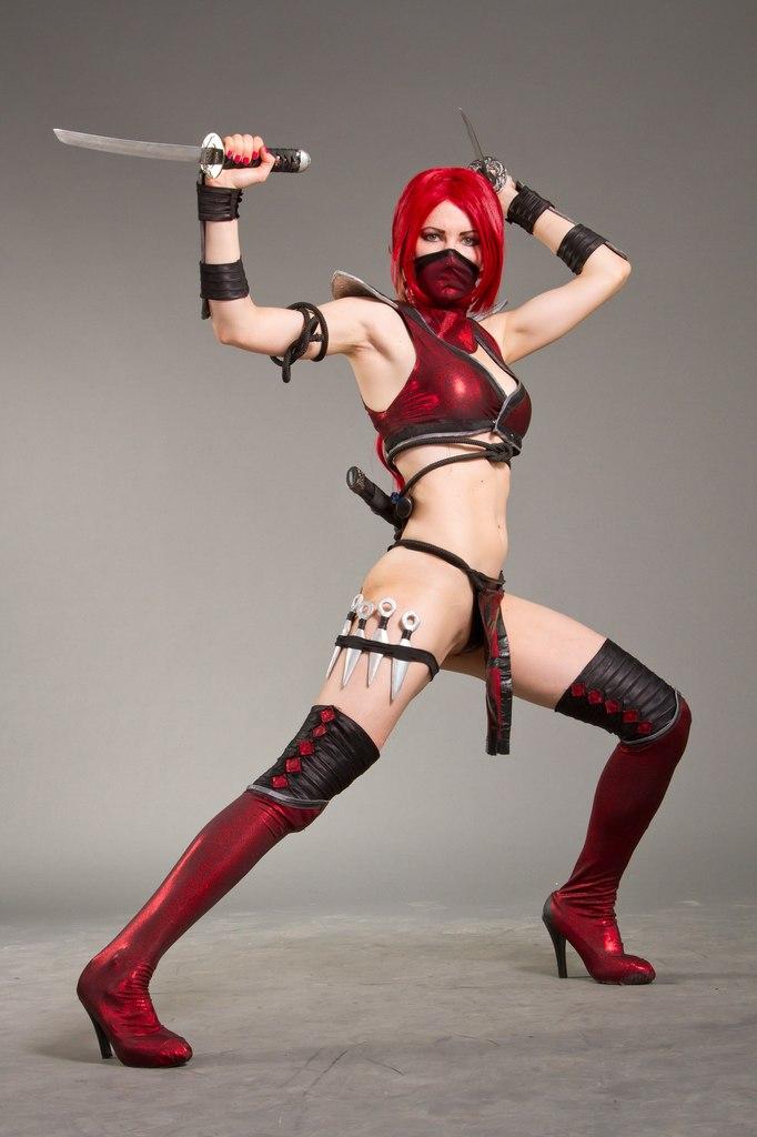 Cosplay Scarlet  Mortal Combat 9