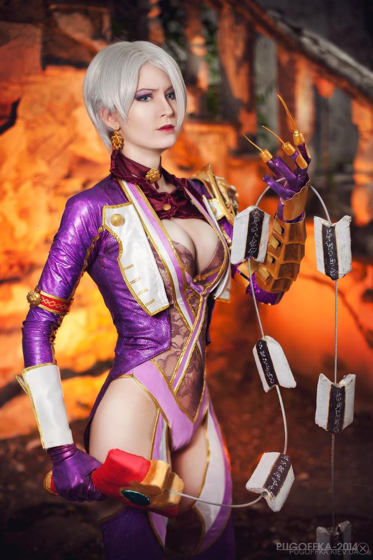 Cosplay Isabella 'Ivy' Valentine - Soul Calibur V by AsherWarr