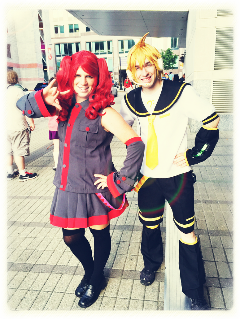 Kasane Teto and Kagamine Len cosplay Animazement by pianomanjojo