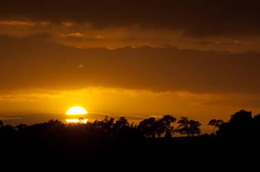 Setting Sun I by graemeskinner