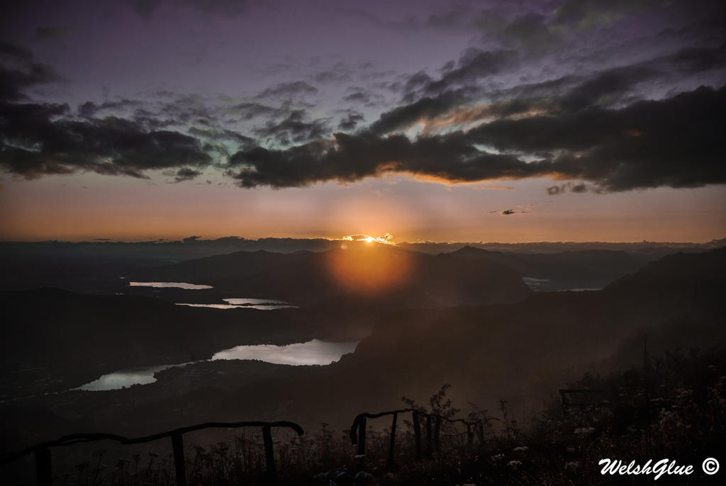 Hard, misty sun by WelshGlue