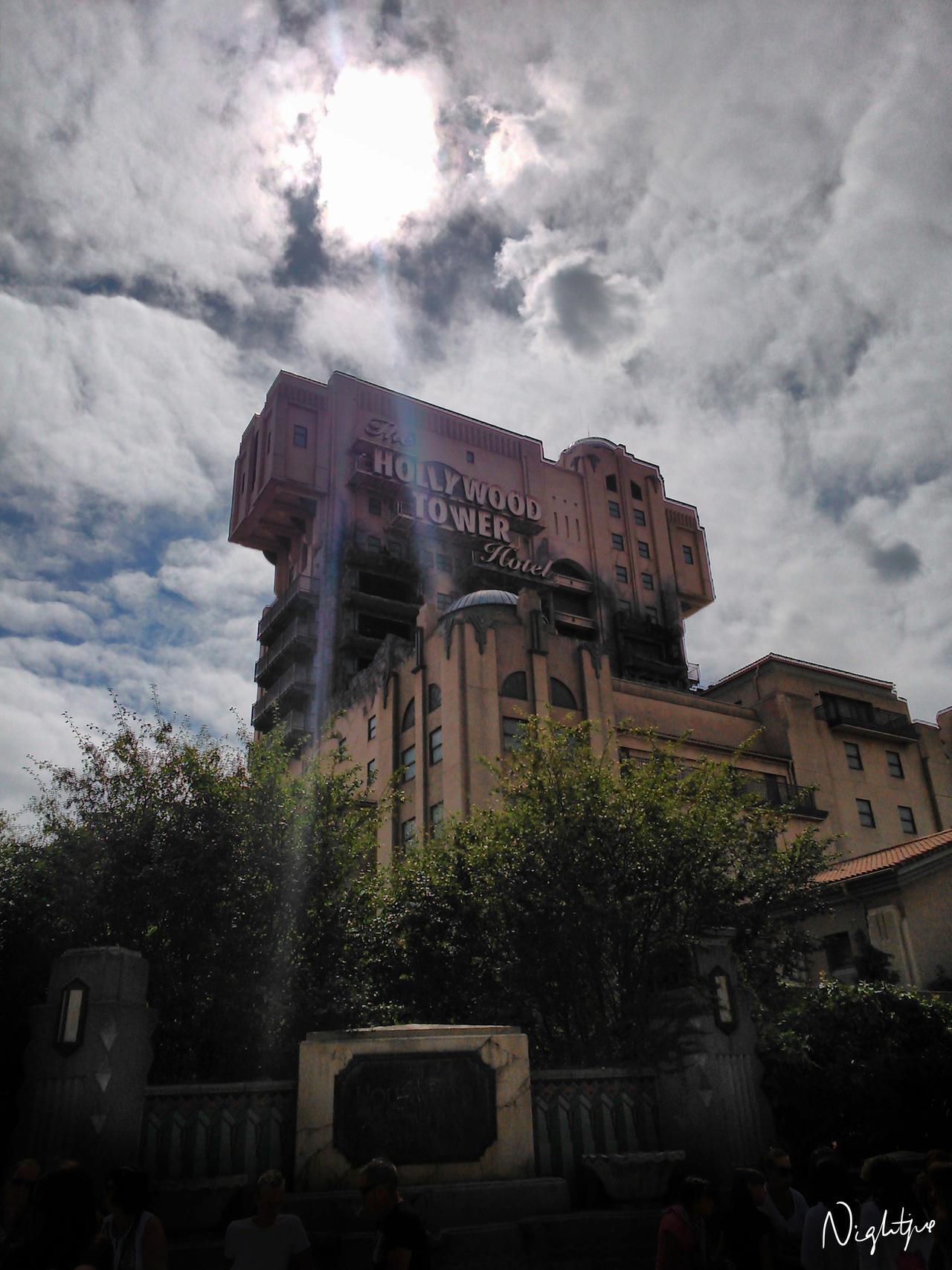 Hollywood Tower Hotel by x-nightfire-x