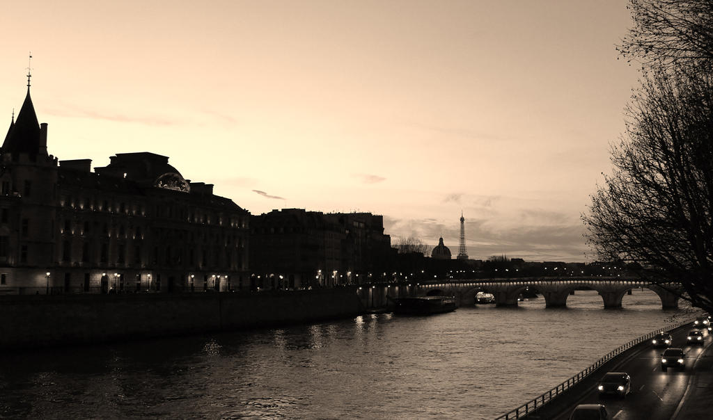 Paris, Sunset. by x-nightfire-x