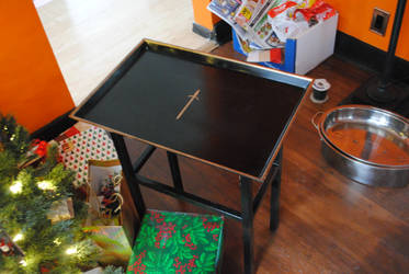 April's Tray Table by fixinman