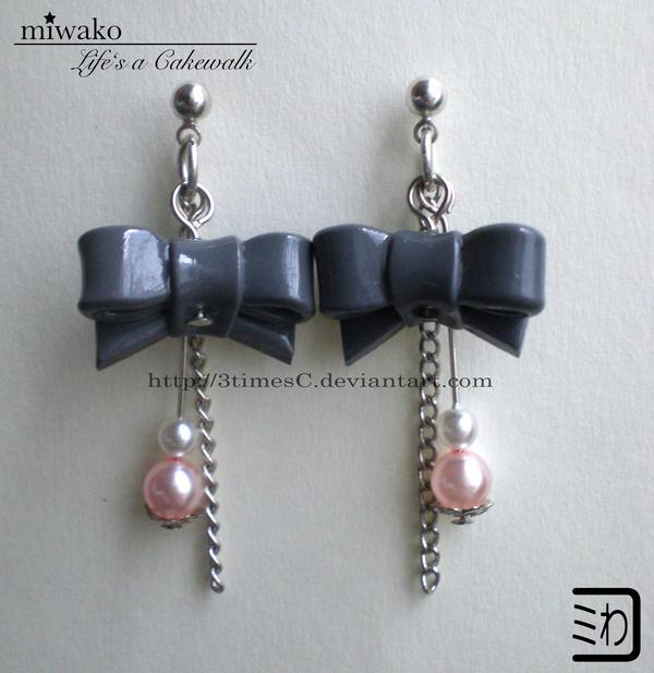Grey Ribbon Earrings by 3timesC