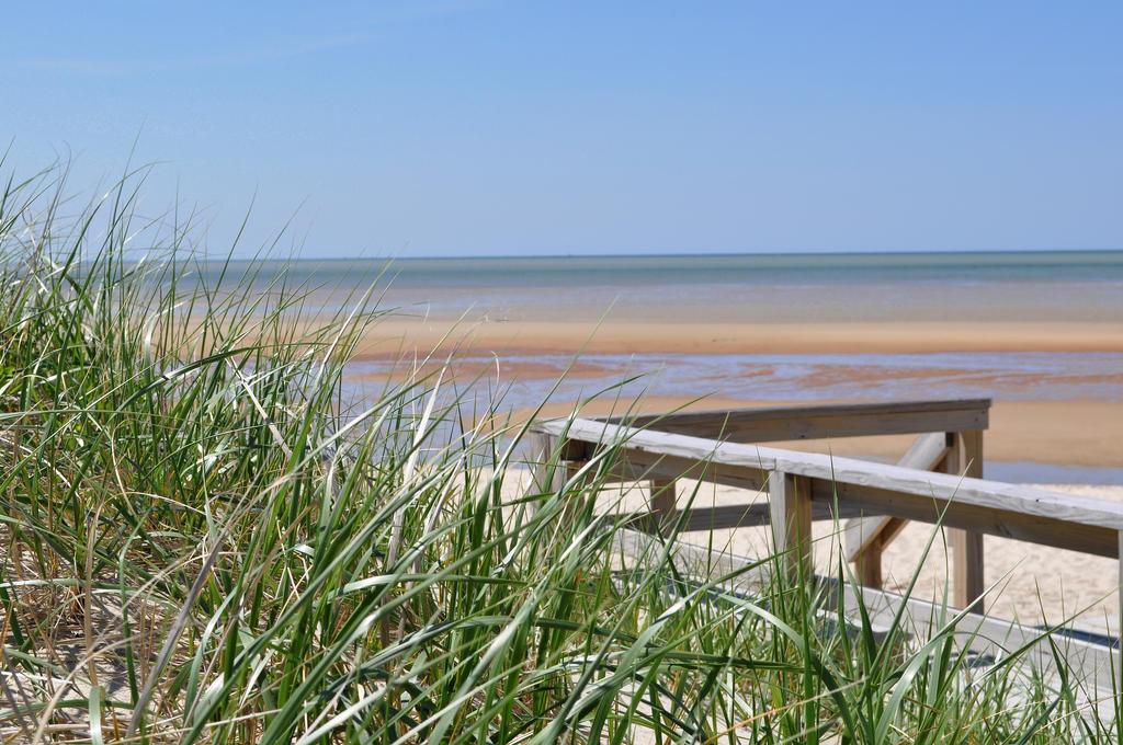 Nauset Beach II by monophoto
