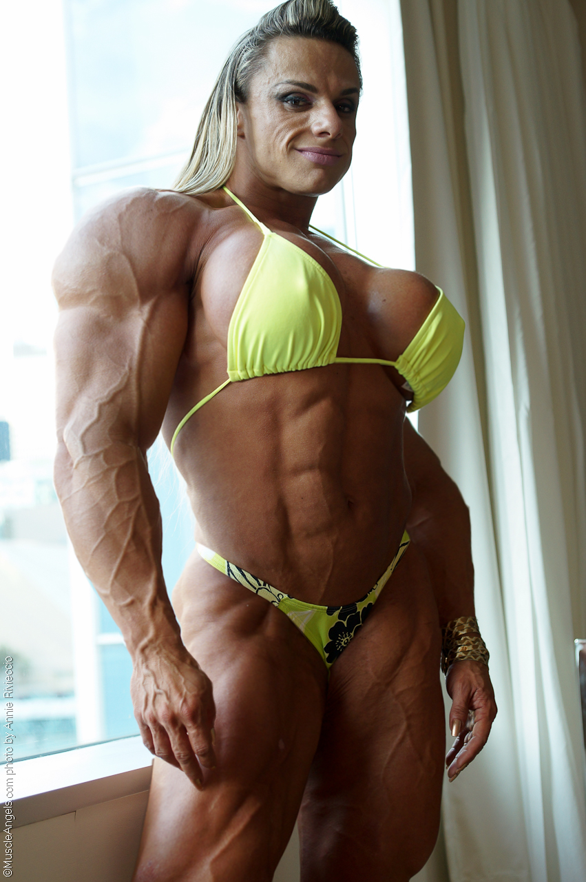 young sexy muscle girls