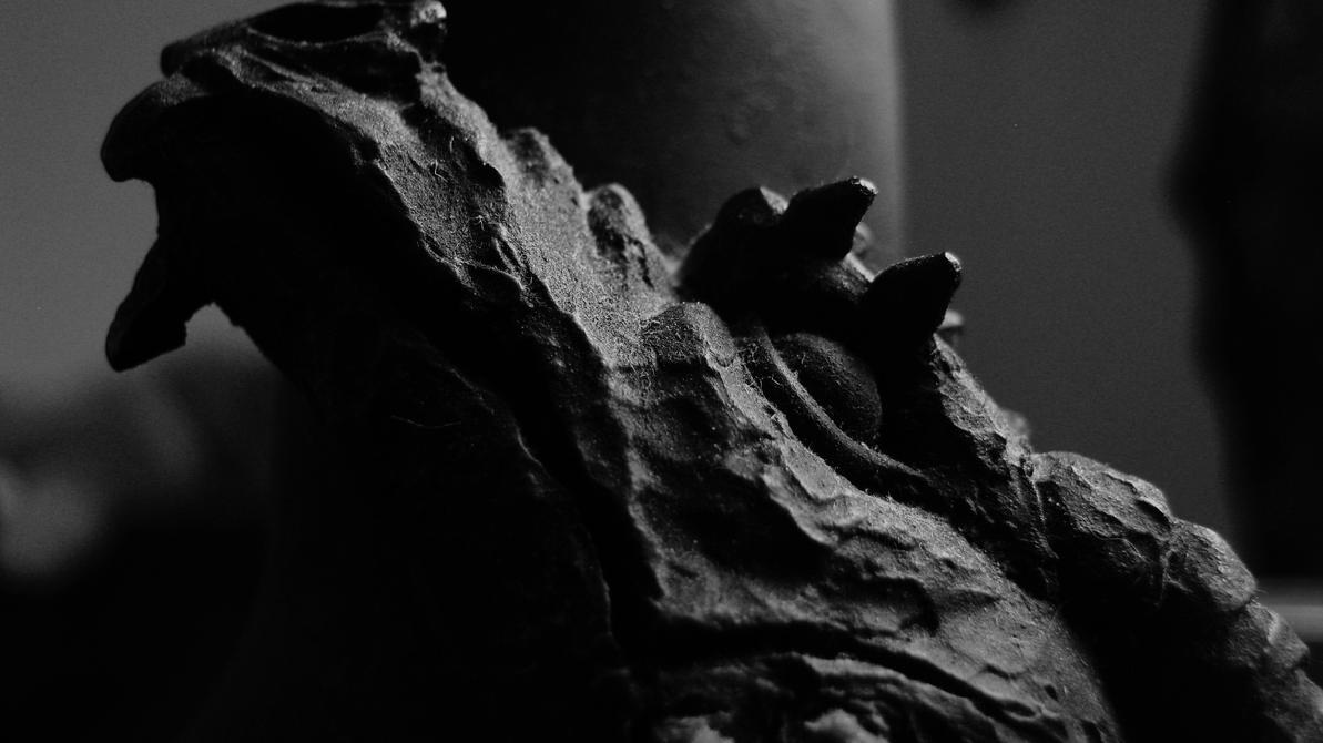 Sova Draken by Gothic-Romance