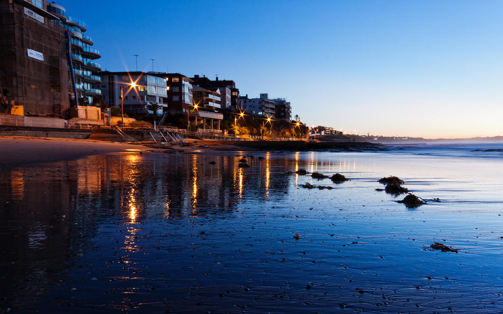 Dawn at Cronulla by SxyfrG