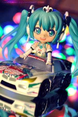 Night Race by nikicorny