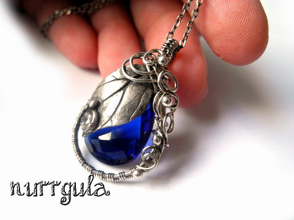 Cobalt blue leaf necklace by nurrgula