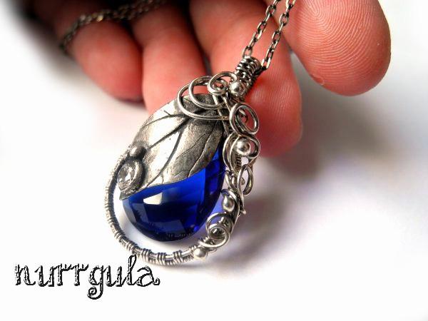 Cobalt blue leaf necklace by nurrgula