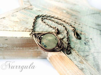 Prehnit Copper wire wrapped bracelet, herringbone by nurrgula