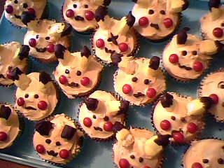 Pikachu Cupcakes by watermelonz