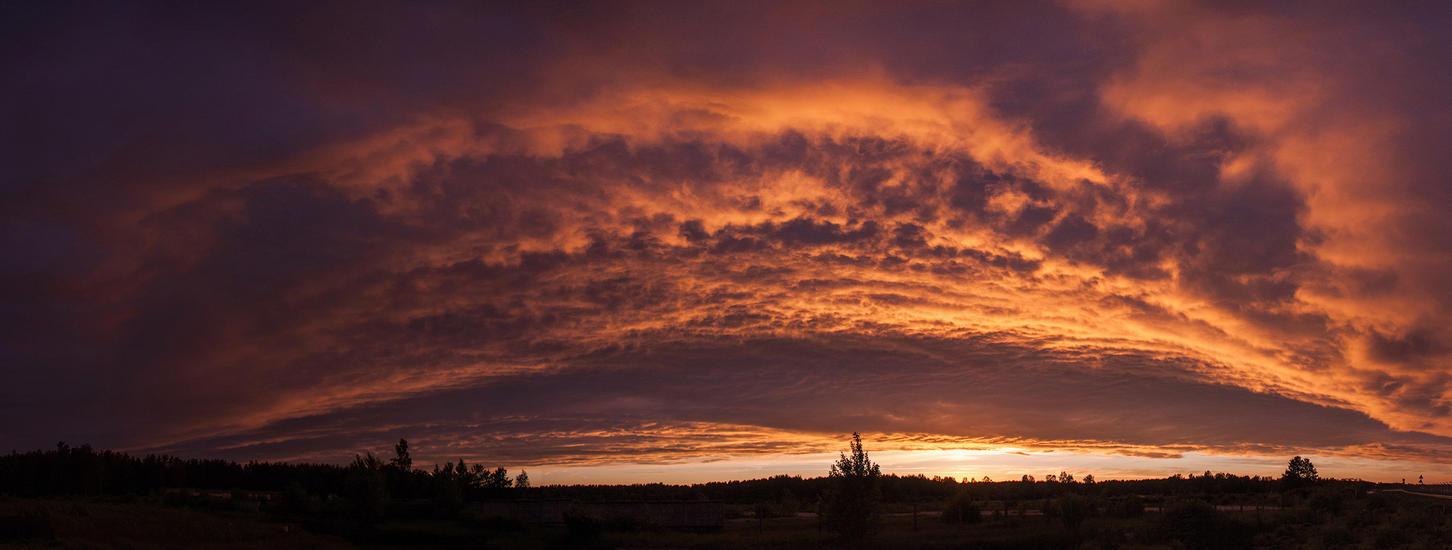 Clouds over RIX by puu4ux
