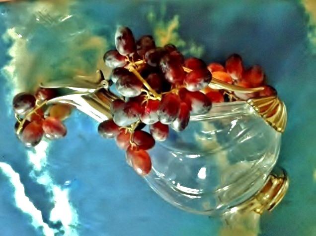 Grape love....... by TriciaS