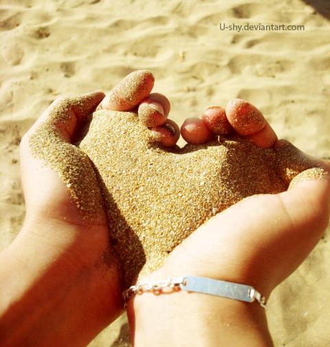 Sand heart by u-shy