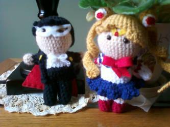 Crochet Sailor Moon and Tuxedo Mask by ehresko
