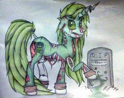 Queen Grave Raiser by AngelOfTheWisp